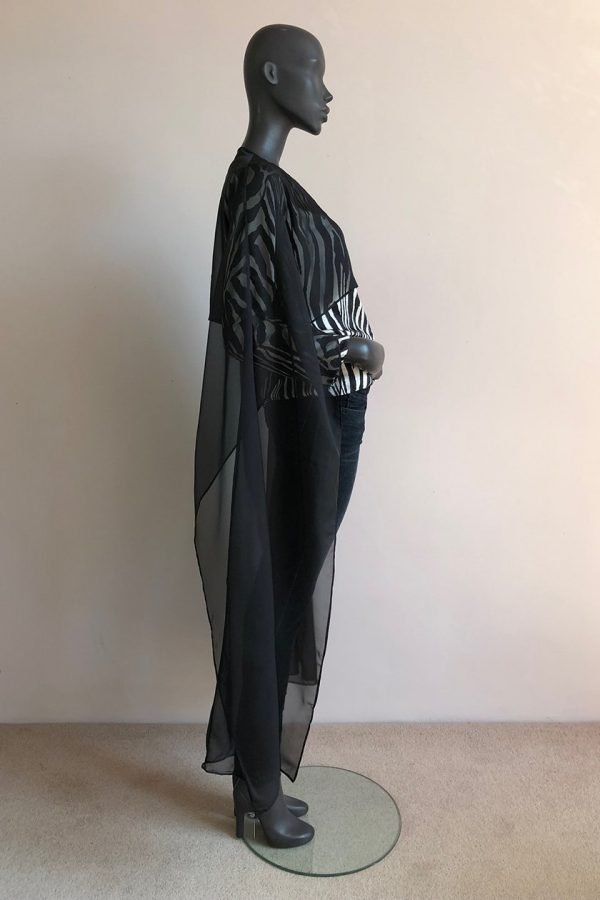 AYANDA CAPE LONG WITH PLEATNECK TOP AND JEANS SIDE